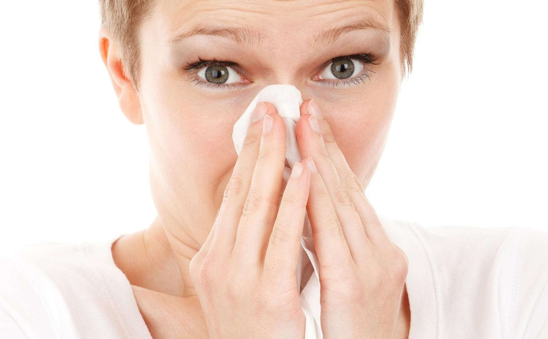 Chest tapping for allergies or cold